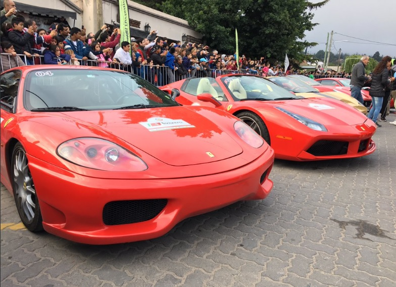 La caravana de Ferraris llega mañana a Tucumán — Un lujo