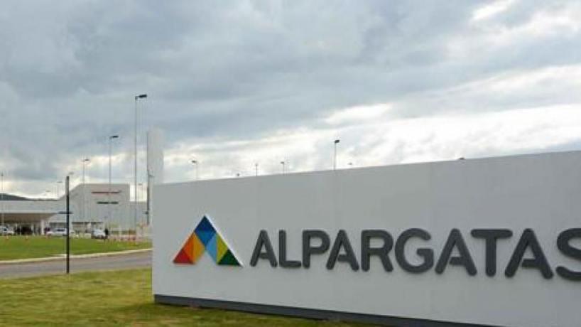 El Outlet de Topper en Tucumán lanza ofertas para ayudar a trabajadores de  Alpargatas