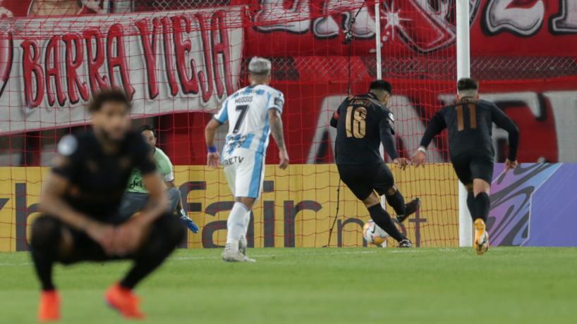 Atlético Tucumán juega con 10 y cae ante Independiente 1 a 0 - Tucumán - el  tucumano
